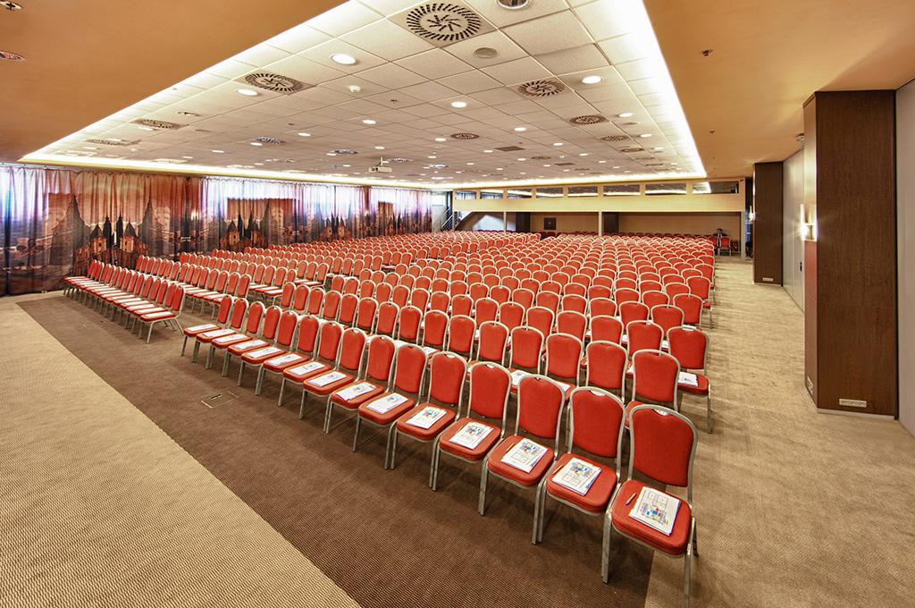 ÚFP v novembri organizuje prvú vzdelávaciu konferenciu